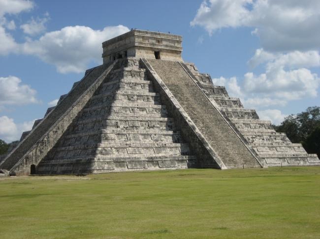 Aztecas y Mayas con Riviera Maya