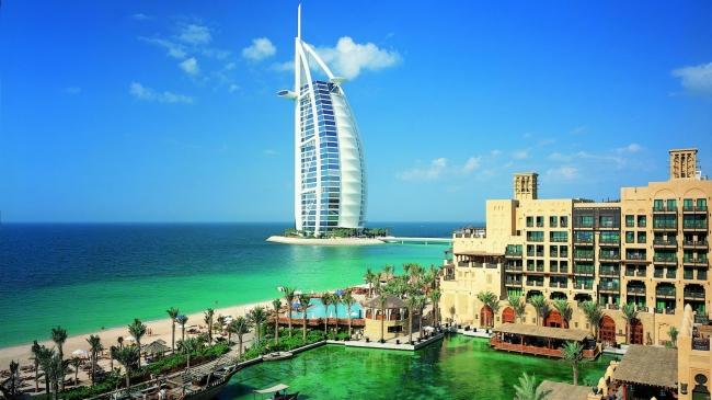DUBAI & DESIERTO