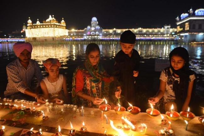 INDIA Y NEPAL FESTIVAL DIWALI